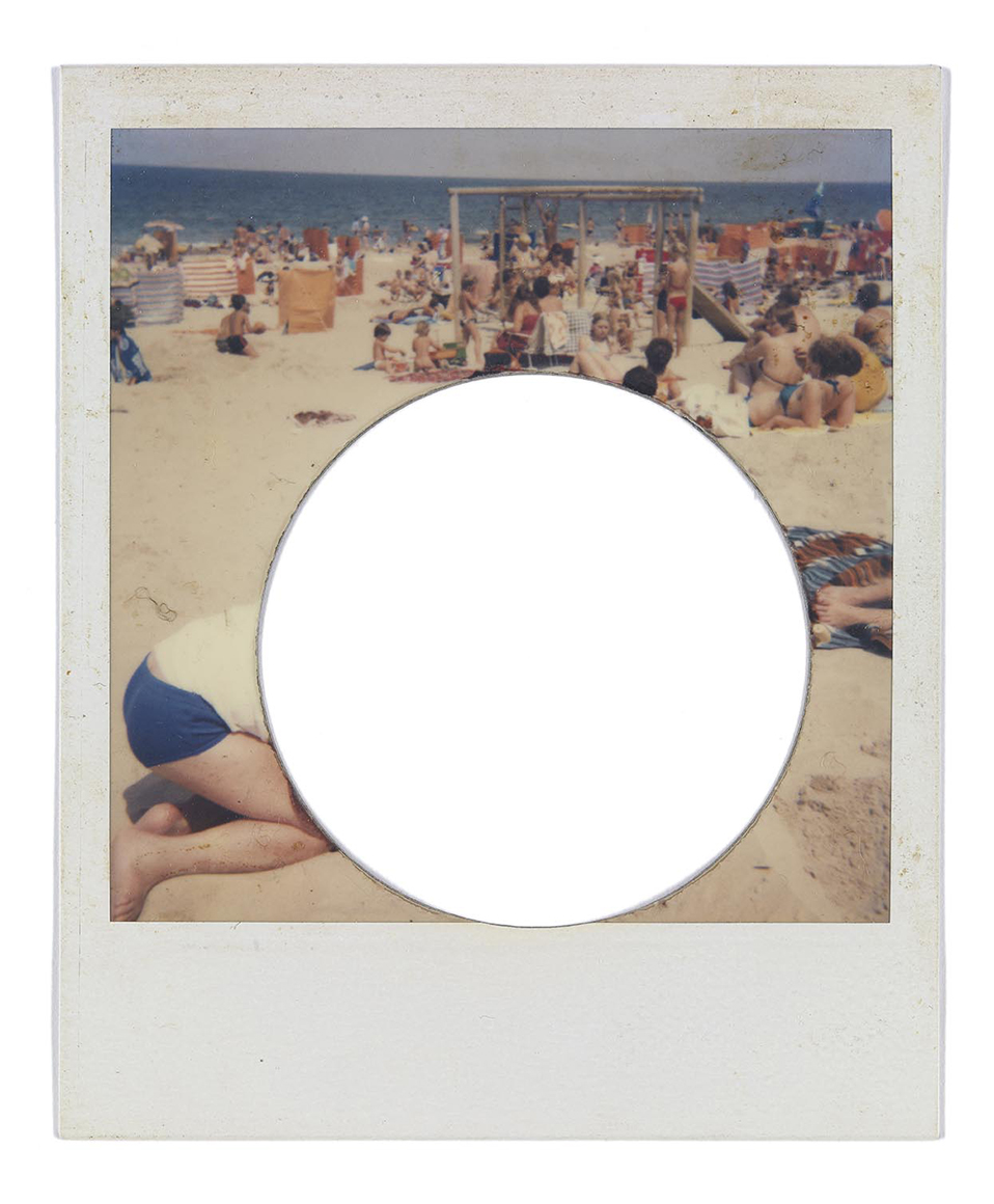 Erik Kessels. All Yours, 2015. From in almost every picture #14, 2015. Postcard, 12.75 x 18 cm. Courtesy of the artist © Erik Kessels